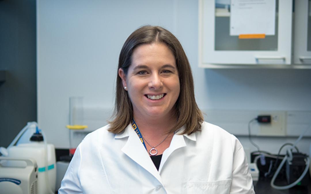 Dana Dolinoy in lab